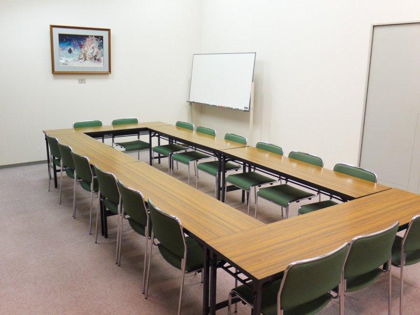 川西町フレンドリープラザサークル集会室の写真