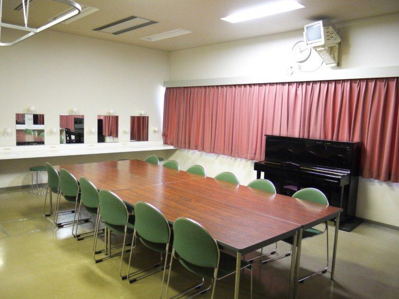 川西町フレンドリープラザ:劇場・ホール:楽屋の写真