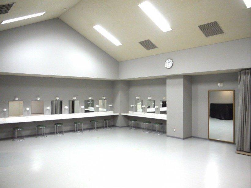 川西町フレンドリープラザ:劇場・ホール:スタジオ・楽屋の写真